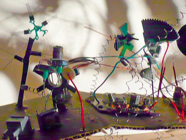 mobile_schattenskulptur_radiorauschen_hensel_almstedt_04
